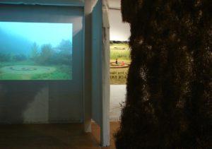 La vidéo Walk & sit à la galerie Ko, Gongju